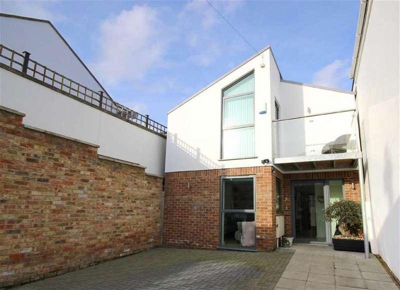 3 Bedrooms Detached House for sale in Tivoli Walk, Tivoli, Cheltenham, GL50