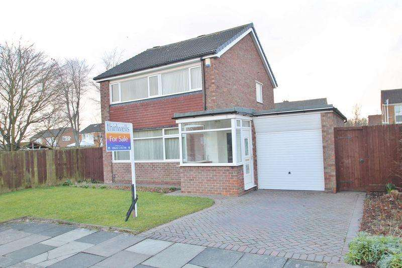 3 Bedrooms Detached House for sale in Cayton Drive, Acklam Hall