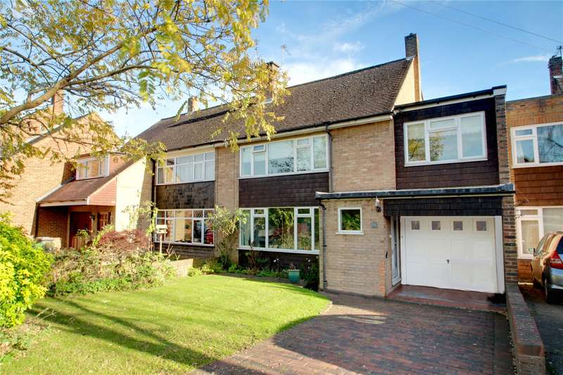 3 Bedrooms Semi Detached House for sale in Hanworth Lane, Chertsey, Surrey, KT16