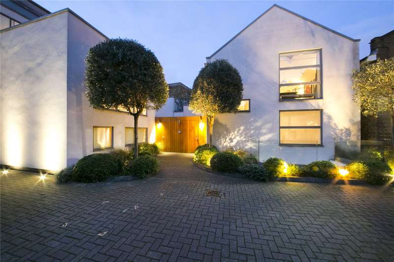 4 Bedrooms Semi Detached House for sale in Noble Yard, Off Charlton Place, N1