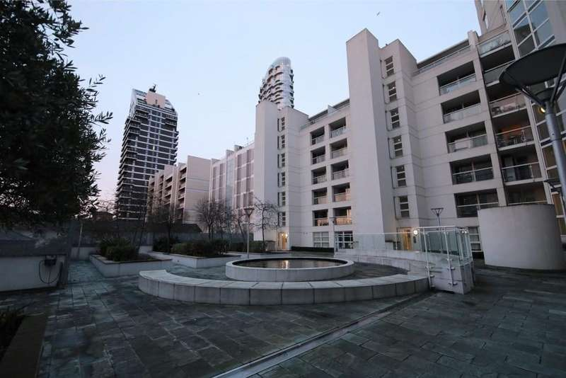 2 Bedrooms Apartment Flat for sale in Blackwall Way, London