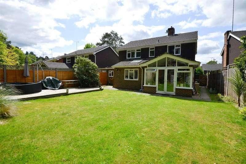 4 Bedrooms House for sale in Heathpark Drive, Windlesham, Surrey