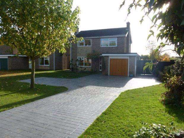 4 Bedrooms Detached House for sale in Elliott Road, Elliott Road, March, Cambridgeshire, PE15 8BP