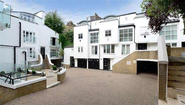 3 Bedrooms Flat for rent in Peony Court Town Houses, Chelsea