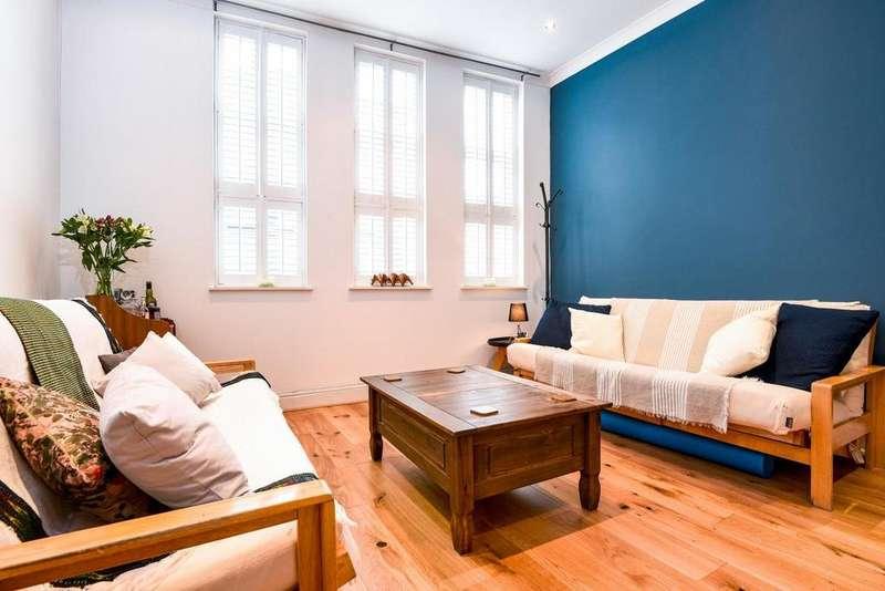 3 Bedrooms Flat for sale in Landor Road, Clapham