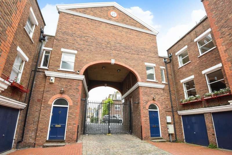 2 Bedrooms House for sale in Shrewsbury Mews, W2, W2