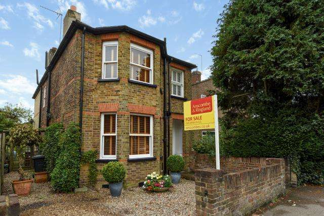 4 Bedrooms Detached House for sale in Bushey Heath, WD23, WD23