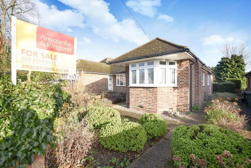 2 Bedrooms Bungalow for sale in Glebe Road, Stanmore, HA7