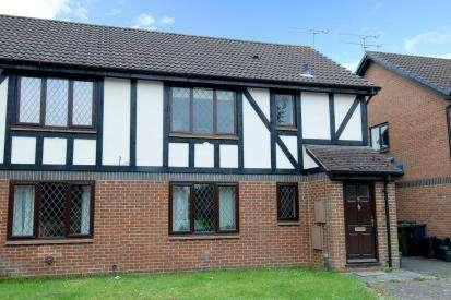 1 Bedroom Maisonette Flat for sale in Bagshot, Surrey, GU19