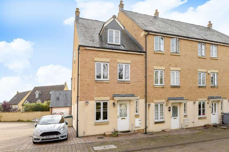 3 Bedrooms House for sale in Willow Drive, Carterton, OX18