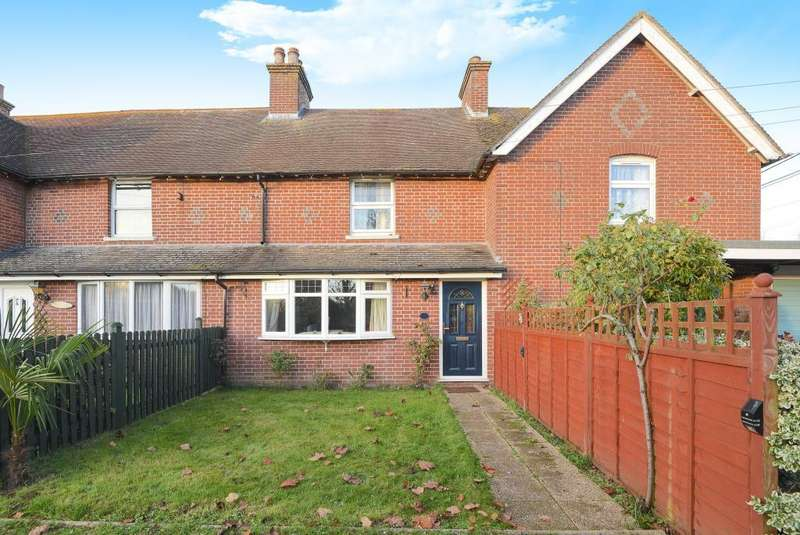 3 Bedrooms House for sale in Hollington Place, Green Lane, Thatcham, West Berkshire, RG19