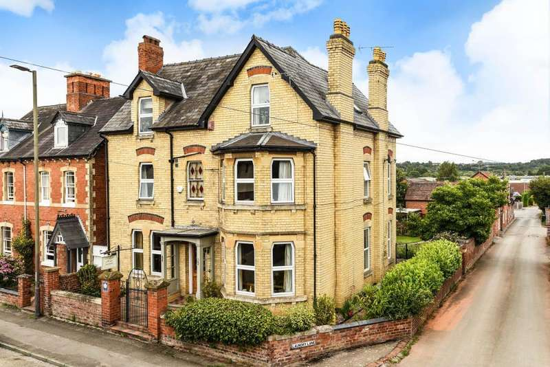 6 Bedrooms Detached House for sale in Leominster,, Herefordshire, HR6