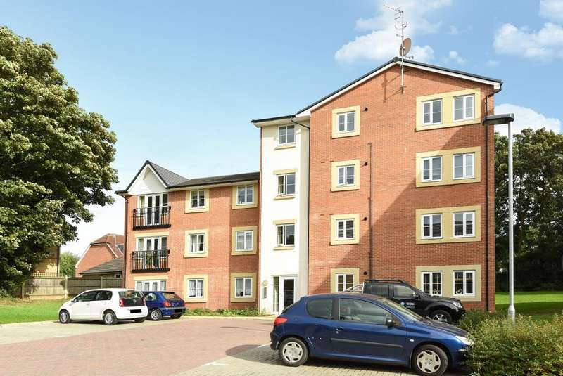 2 Bedrooms Flat for sale in Bushey, Hertfordshire, WD23