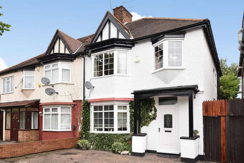 3 Bedrooms House for sale in Heming Road, Edgware, HA8