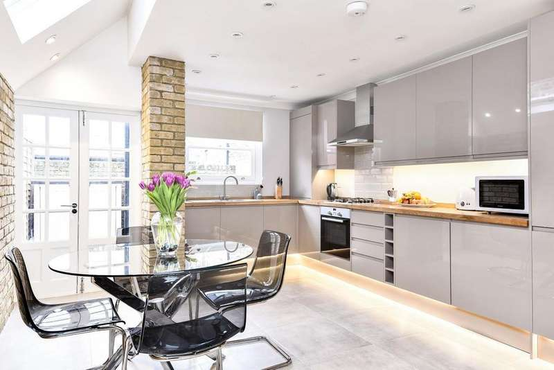 4 Bedrooms Terraced House for sale in Hereward Road, Tooting