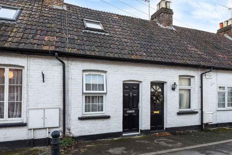 2 Bedrooms Cottage House for sale in Oak Lane, Windsor, SL4