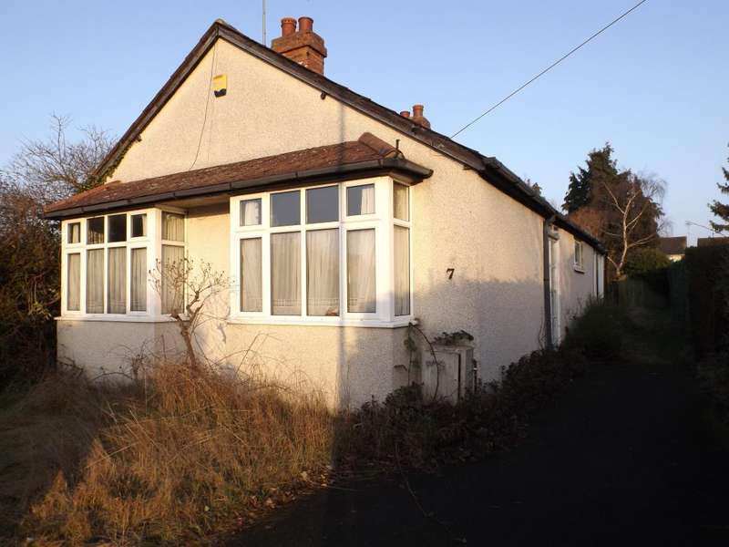 4 Bedrooms Detached Bungalow for sale in Burnham, Berkshire, SL1