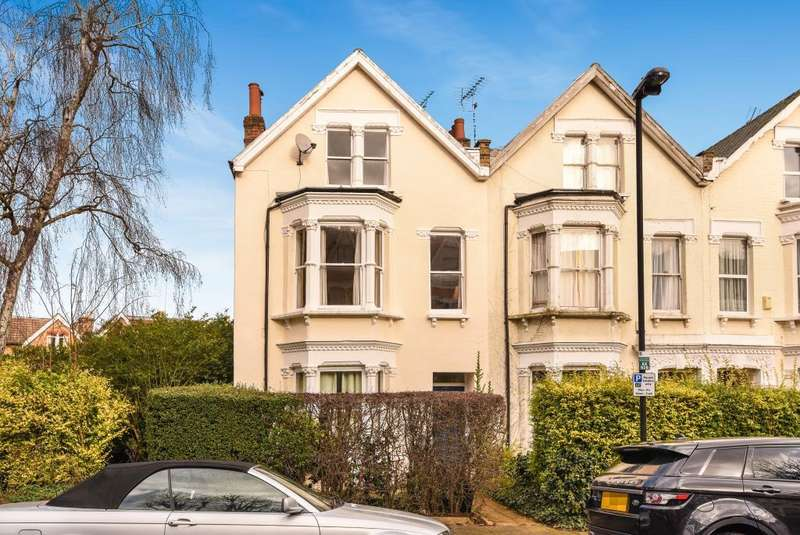 3 Bedrooms Maisonette Flat for sale in Alexandra Park Road, London, N22, N22
