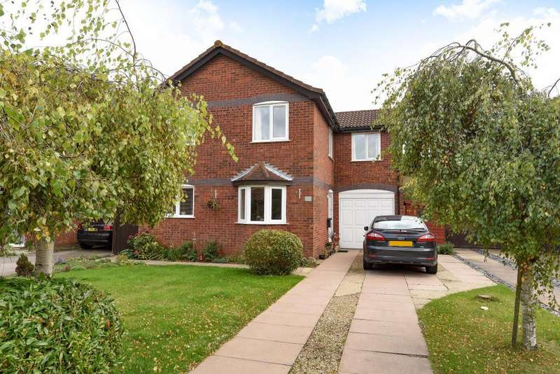 4 Bedrooms Detached House for sale in Benson Close, Bicester, OX26