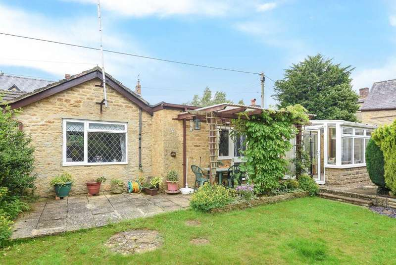 2 Bedrooms Detached Bungalow for sale in Granary Cottage, Fewcott, OX27