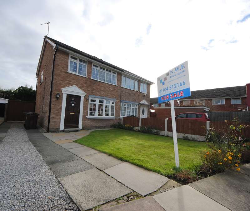 3 Bedrooms Semi Detached House for sale in Folkestone Road, Southport. PR8 5PH