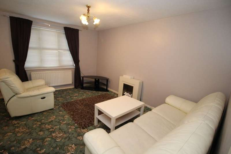 2 Bedrooms Flat for rent in Rochdale Road, Manchester, M9