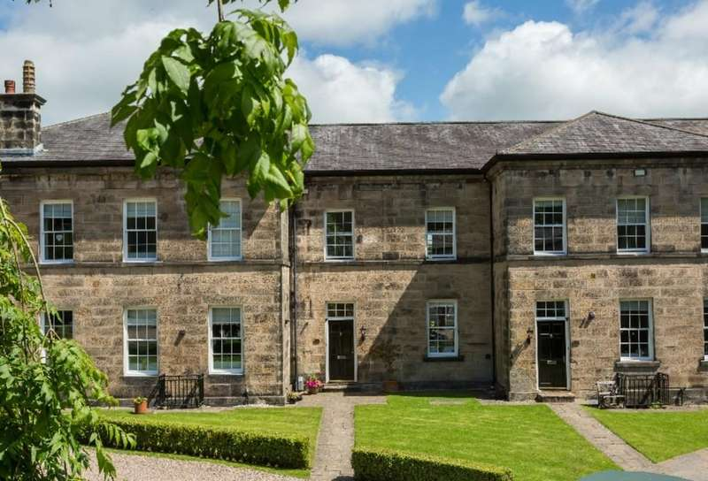 3 Bedrooms House for sale in 4 Standen Park House, Lancaster, Lancashire, LA1 3FF