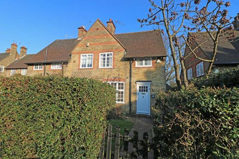 2 Bedrooms Semi Detached House for sale in Westholm, Hampstead Garden Suburb