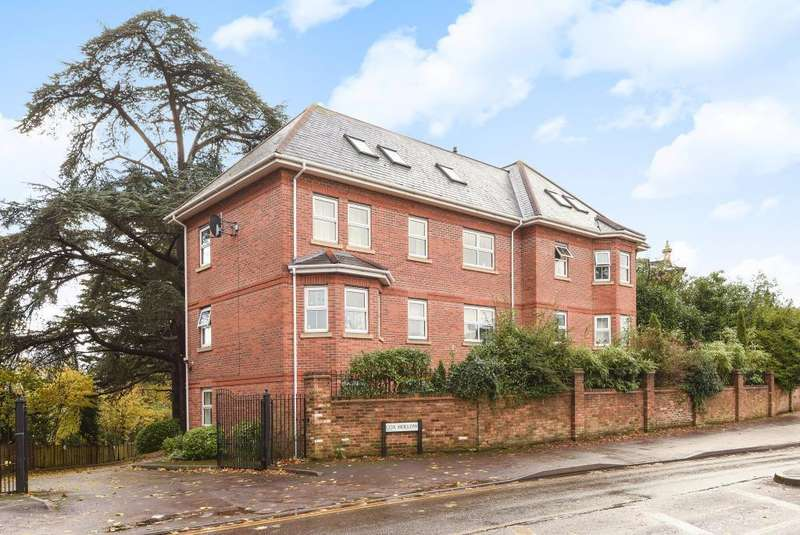 2 Bedrooms Flat for sale in Reading, Berkshire, RG30