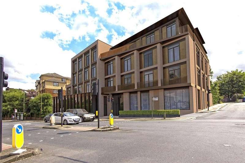 3 Bedrooms Flat for sale in Finchley Road, London, NW11