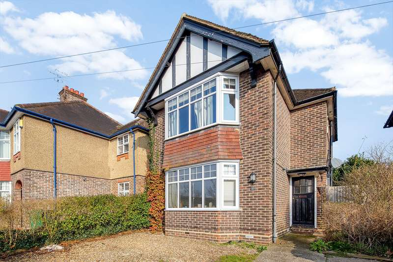 3 Bedrooms Detached House for sale in Rushworth Road, Reigate, Surrey, RH2