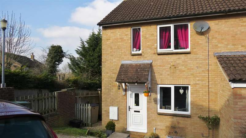 2 Bedrooms Semi Detached House for sale in Highgrove Close, Calne