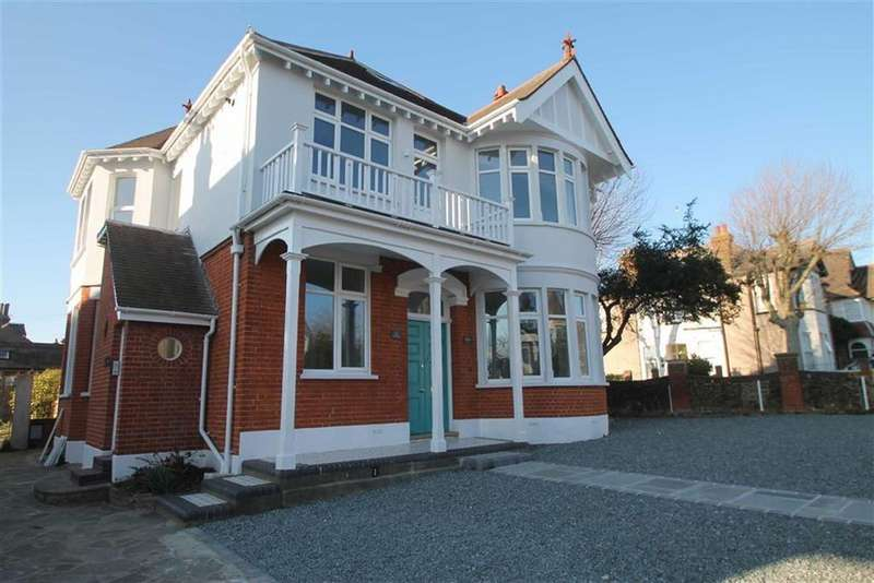 3 Bedrooms Apartment Flat for sale in Preston Road, Westcliff On Sea, Essex