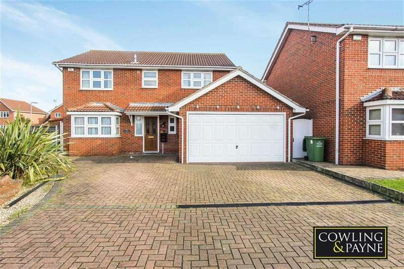 4 Bedrooms Detached House for sale in Hedingham Drive, Wickford, Essex