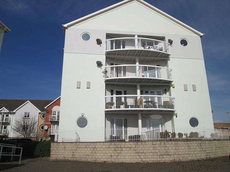 3 Bedrooms Flat for sale in Goose Island , Maritime Quarter, Swansea, City And County of Swansea.
