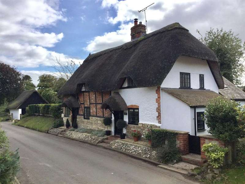 3 Bedrooms Detached House for sale in Stockton, Warminster, Wiltshire, BA12