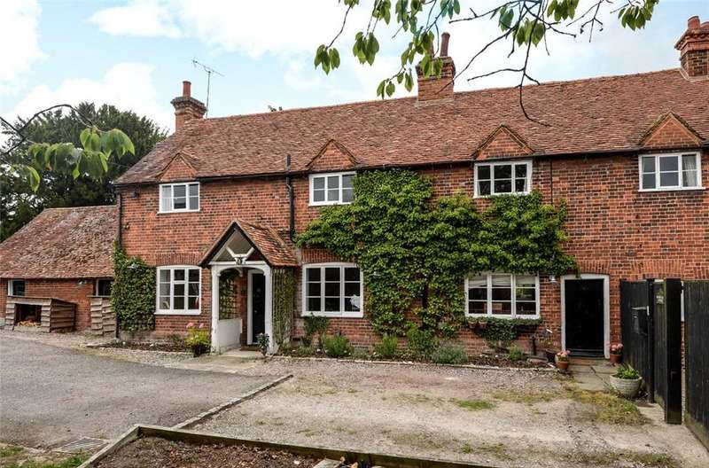 4 Bedrooms Terraced House for sale in Hambleden, Henley-on-Thames, Buckinghamshire, RG9