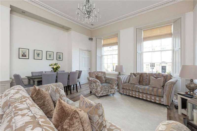 2 Bedrooms Flat for sale in Broughton Place, Edinburgh, Midlothian, EH1