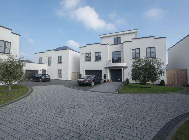 4 Bedrooms Detached House for sale in Kingsdown, Deal