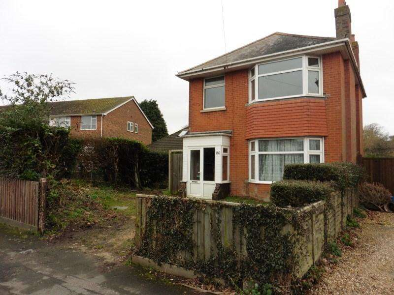 3 Bedrooms Detached House for sale in East Howe Lane, Bournemouth