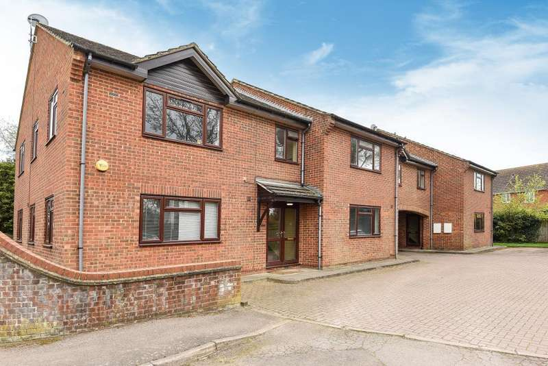 2 Bedrooms Apartment Flat for rent in Parsley Close, Aston Clinton, HP22