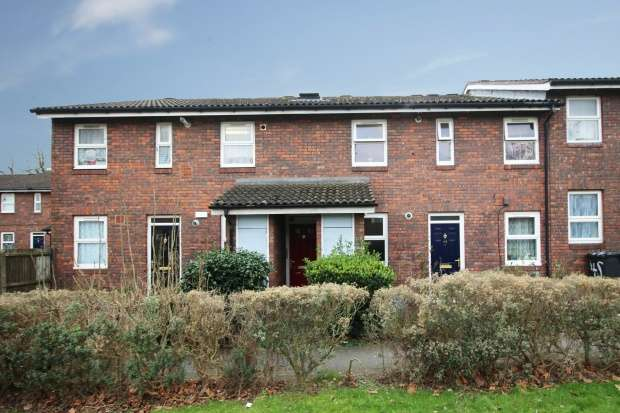 2 Bedrooms Apartment Flat for sale in Hope Close, London, Greater London, SE12 0BJ