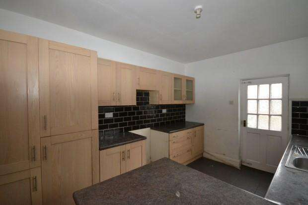 5 Bedrooms Terraced House for sale in Winstanley Road, Wirral, CH62