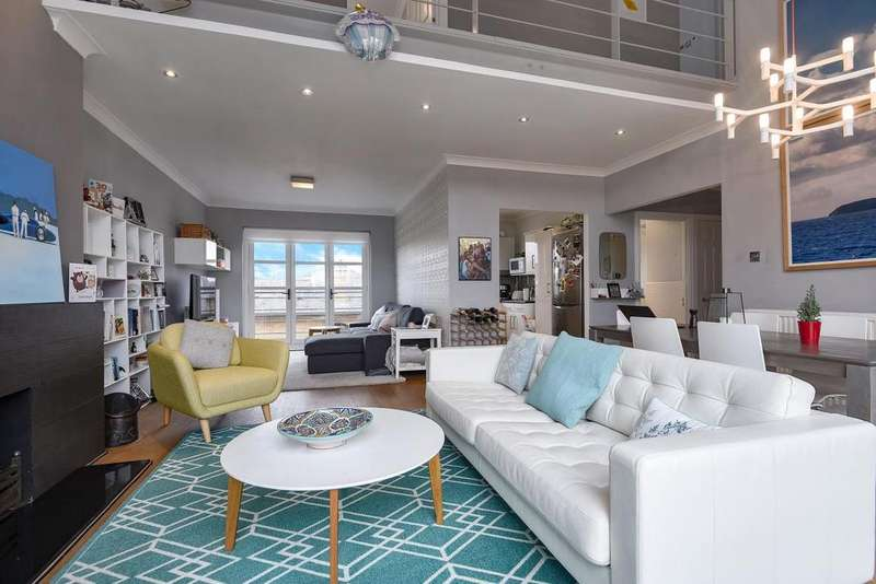 2 Bedrooms Flat for sale in Finland Street, Surrey Quays