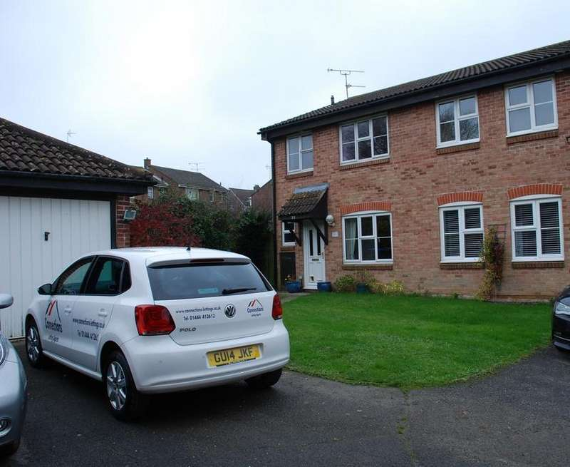 3 Bedrooms Semi Detached House for rent in The Wickets, Burgess Hill RH15
