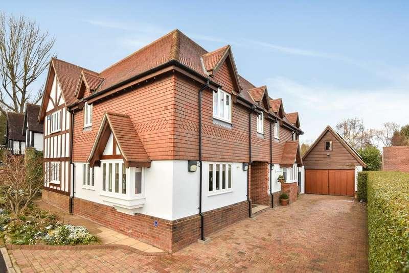 5 Bedrooms Detached House for sale in Totteridge View, Hedgerow Lane, EN5