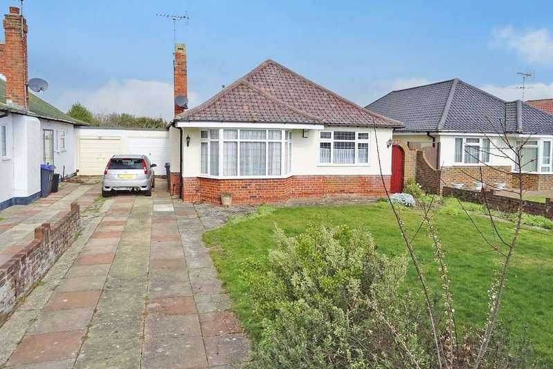 3 Bedrooms Detached Bungalow for sale in Bury Drive, Goring-by-sea, Worthing BN13 3PS