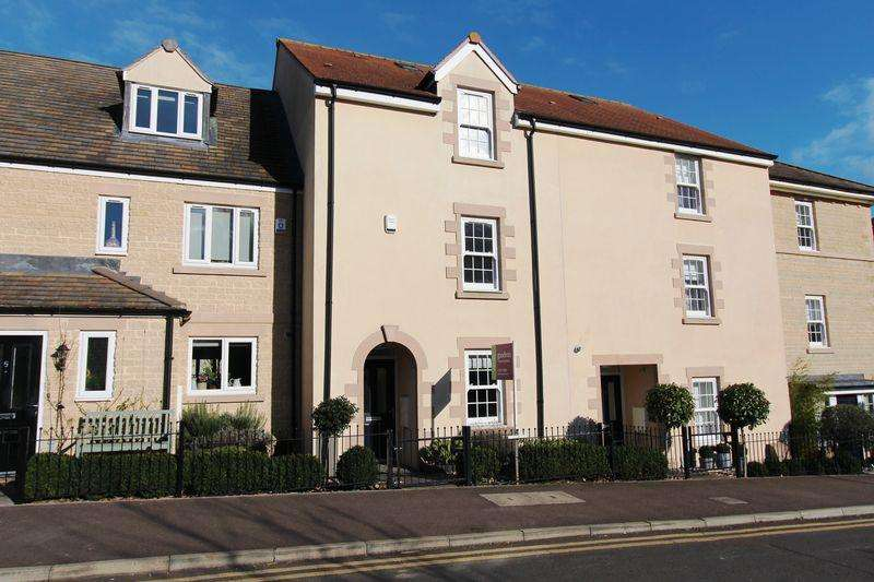 4 Bedrooms Town House for rent in Cherryholt Road, Stamford