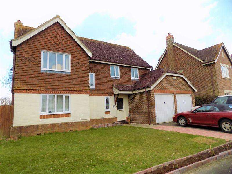 4 Bedrooms Detached House for rent in Priors Acre, Chichester