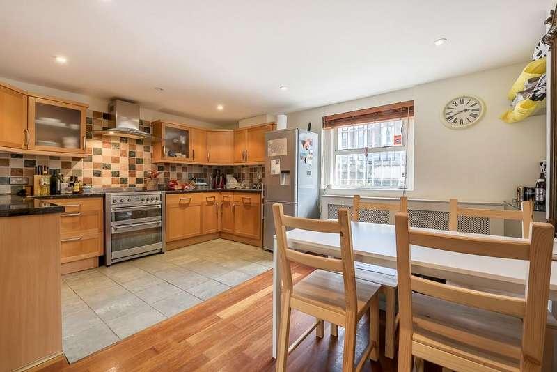 2 Bedrooms Flat for sale in St Johns Hill, Battersea, London SW11